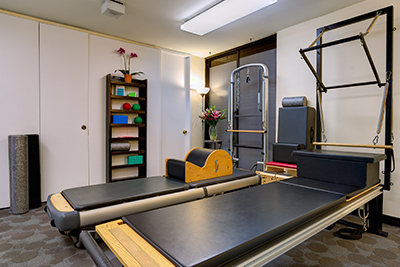 Pilates Reformer Group Class: faster paced for 3 or 4 experienced clients